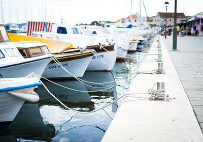 Wahine Yachts V